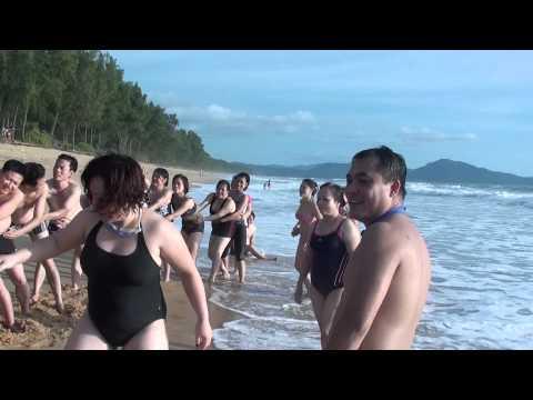 sexy tap the tai bai bien phuket thai lan 3