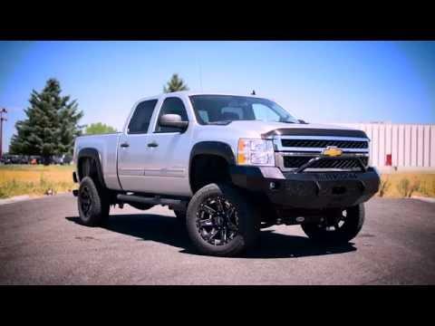 2014 Chevrolet 2500 Duramax gets a lift.