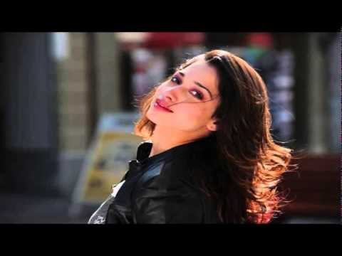 Shruti hassan   Tamanna lip lock in Party