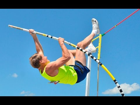 Gary Hunter sets M60 American record in pole vault
