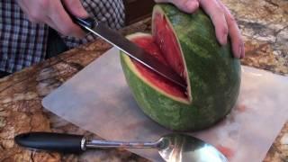 Tebak apa yang dilakukan orang ini dengan semangka, yang jelas wow