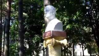 La Edineț au Aleea clasicilor cu doar 4 busturi și un obelisc