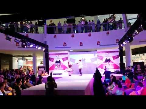 FUSION IYas Dynamic Duo   STAR HUNT 2014 @ DUBAI OUTLET MALL