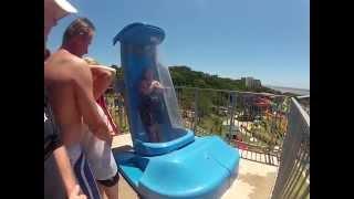 Um tobogã aquático muito irado