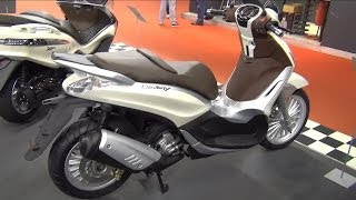 [Piaggio Beverly 300 I.E. Exterior and Interior in 3D 4K UHD] Video