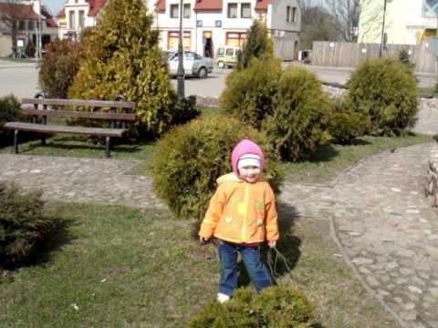 Milenka. Zabawa w berka