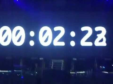 Justin Bieber Performing Live in Manchester, England - Video