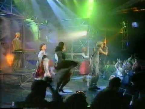 Erasure - I love to hate you (1st new TOTP 31-10-91)