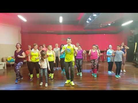 Zumba Fitness - En medio de la noche