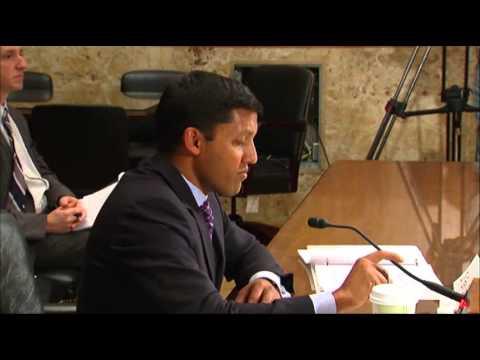 Senator Calls 'Cuba Twitter' a Cockamamie Idea
