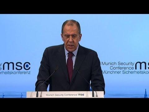Ukraine: Lavrov condamne la