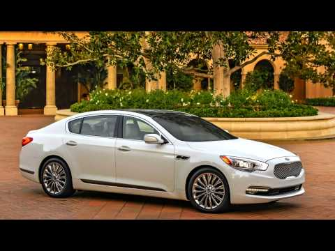 Kia K900 2015 - 10 Photos