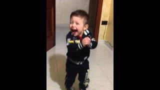 Bimbo Che Balla Il Gangnam Style