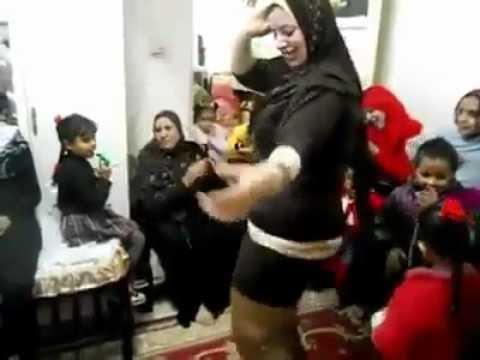 arabic home dance  رقص منزلى محجبه