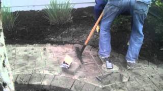 How To Install A Concrete Border For Pavers.