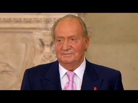 Spain: King Juan Carlos signs abdication law - no comment