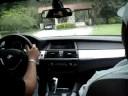 Eddie dirigindo uma BMW X6