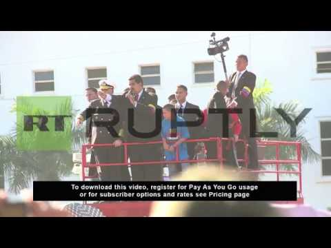 Venezuela: Maduro leads Caracas crowd in mourning for Chavez