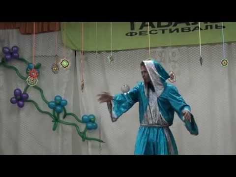Эманов Константин. Выступление-перфоманс с кристальным шаром (07.05.2014) - M2U03495