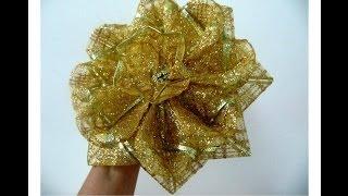en este vdeo les enseo como hacer un lindo moo navideo flor estrella de caramelo en cintas tiras de cintas navideas doradas de