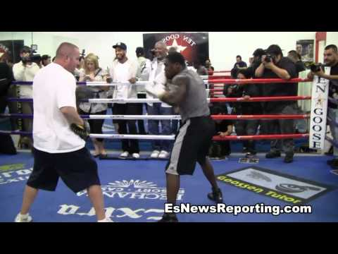 Andre Berto: Boxing Workout Doing Mitts
