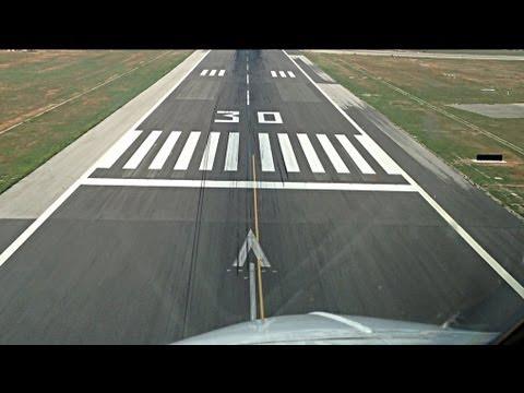 Boeing 737 landing cockpit view
