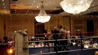 YOUNG FEMALE BOXER KNOCKS OUT A MALE PROFESSIONAL