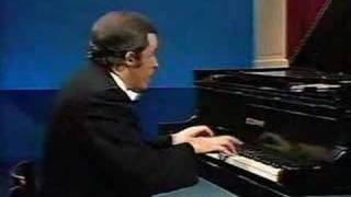 Glenn Gould Plays J.S.Bach Piano Concerto No.7 In G Minor