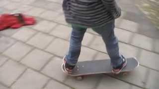 rudmer skateboarding 9 years old.avi view on youtube.com tube online.