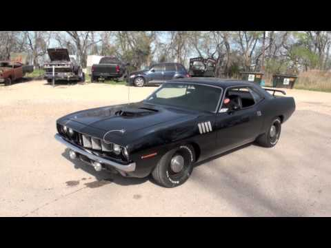 1971 Cuda 426 Hemi 4 speed Wilwood disc brakes Dana rear end