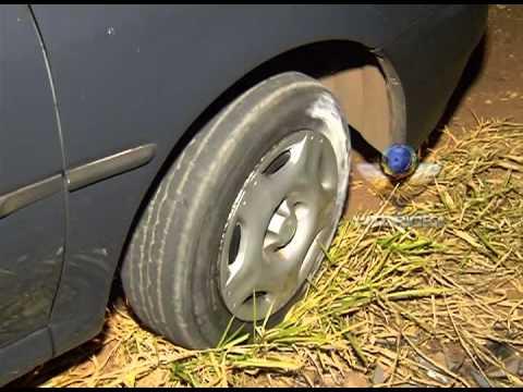 Carro furtado é encontrado pela PM todo depenado