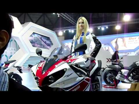 Yamaha R1 at Auto Expo 2012, New Delhi, India