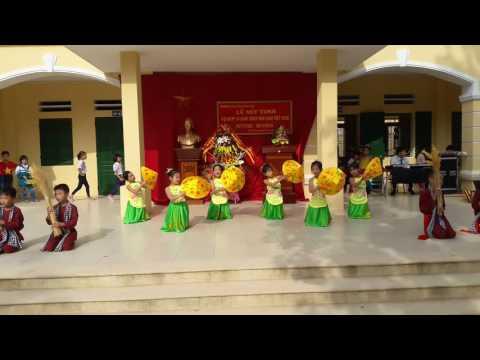 Múa cánh đồng tuổi thơ lớp 2A Trường Tiểu Học Thái Hòa