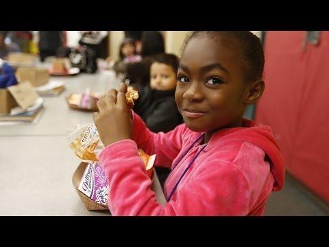 How does school breakfast affect children's health?