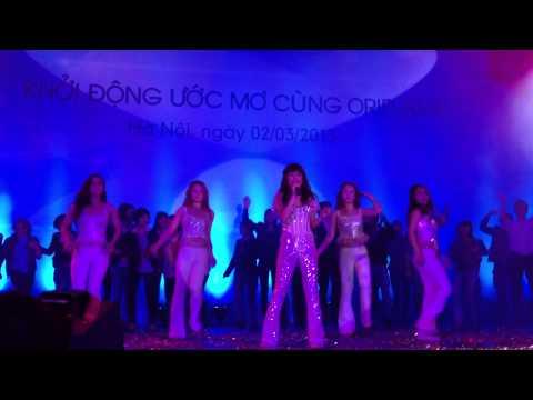 Hoàng Thùy Linh - Rung Động (Live Oriflame Event 2/3/2013)