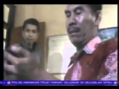 Video Mesum Siswi SMKN Probolinggo Beredar 15 Juni 2013   YouTube