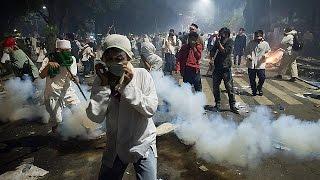احتجاجات في جاكارتا تتحول إلى أعمال شغب خَلَّفتْ قتيلا و12 جريحا |