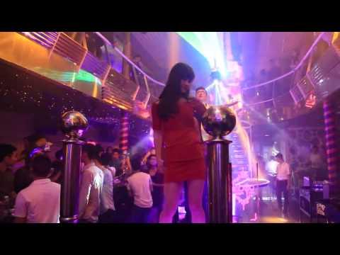 Cận cảnh gái nhảy ăn chơi trong Bar lớn nhất Việt Nam ( Phần 5 )