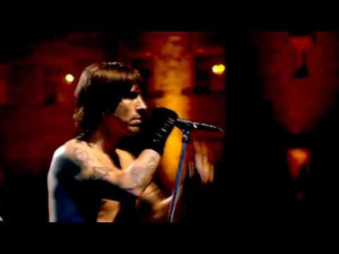 Red Hot Chili Peppers – Under the Bridge [Live at Slane Castle] HD
