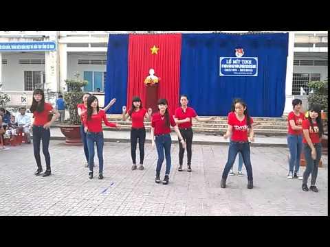 Dân vũ Nối vòng tay lớn - Lớp 11C3 THPT Khánh Lâm, U Minh, Cà Mau