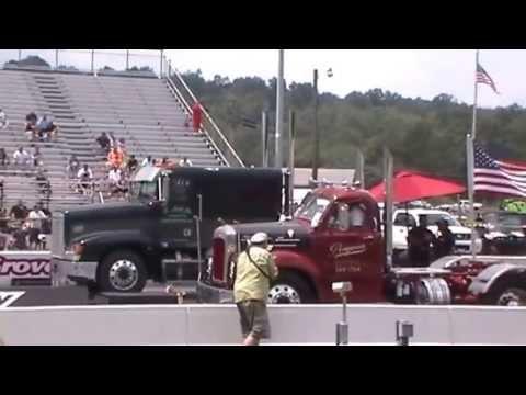 Keystone Nationals - Maple Grove - Cliff Lick, Jr.Bill Owens & Rooster Rip semi truck drag racing