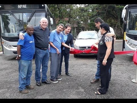 04/12/2017 - Tv Barretos: entrega de dois ônibus e um veículo utilitário para APAE de Barretos