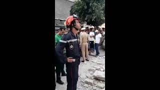 أول فيديو من درب الكبير بالبيضاء.. لحظة إنقاذ شخص من تحت المنزل المنهار  