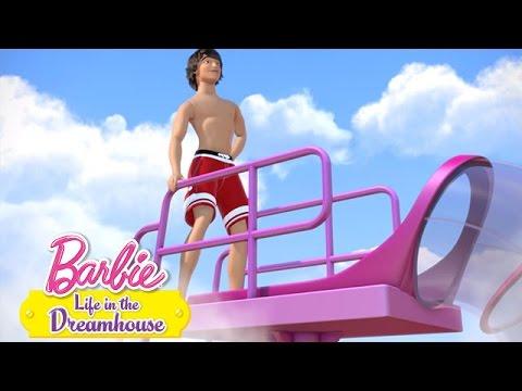 Barbie - Kolaudácia šmýkačky