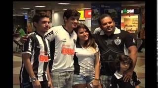 Torcedores do Atl�tico recebe o clube no aeroporto de Salvador