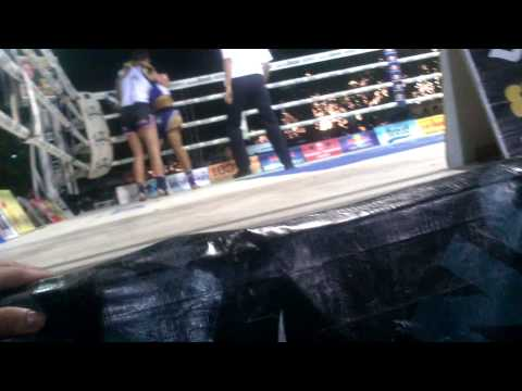 Julia Symannek (Kingz-Gym Bottrop) Welttitel Muay Thai Kings Birthday 2013 / Runde 2