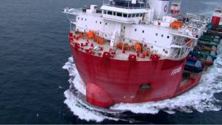 26 Tugboats On-board Semi-sub, Watch Aerial Photographer