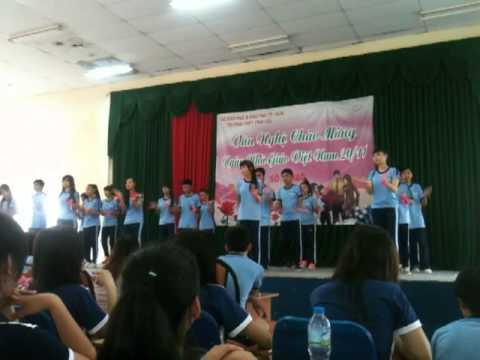Nhảy dân vũ Nối vòng tay lớn - Lớp 10A1 THPT Vĩnh Lộc