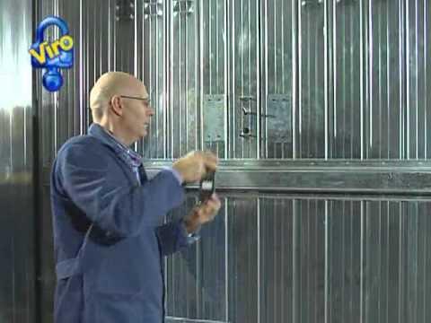 Serratura per porte basculanti ns youtube for Spranga universale per porte