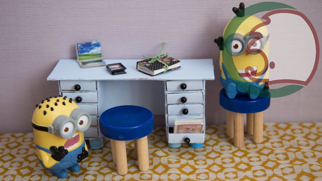 Как сделать из коробки кукле стол 405